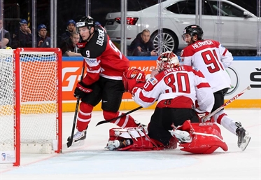 Canada flies to 10-1 win